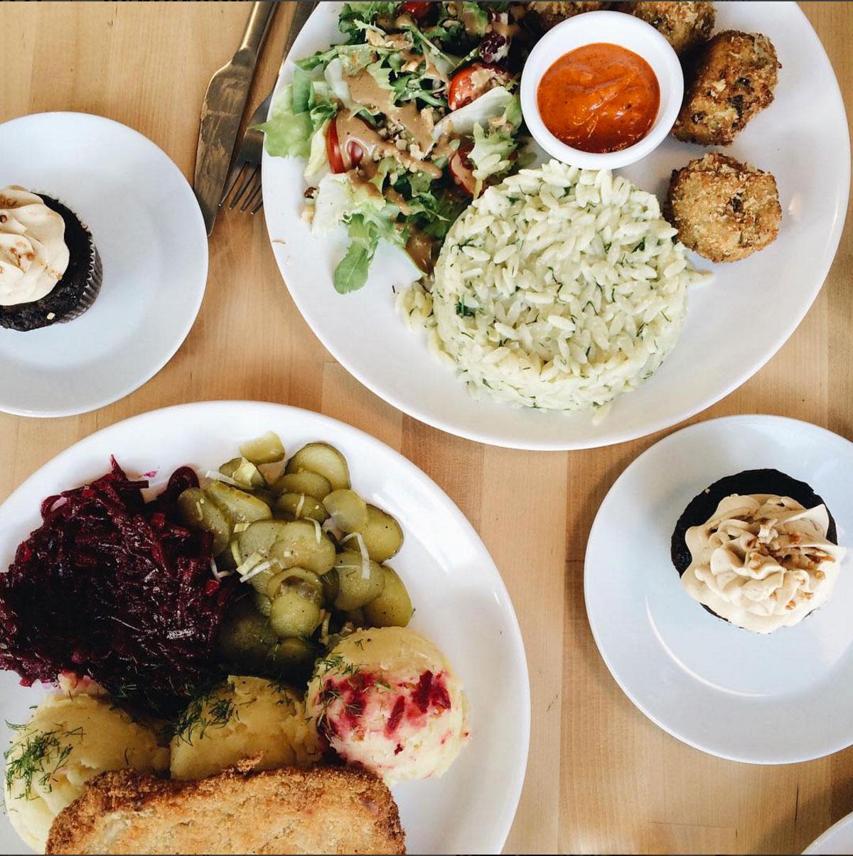 Warsaw Vegan Restaurant Lokal Vegan Bistro