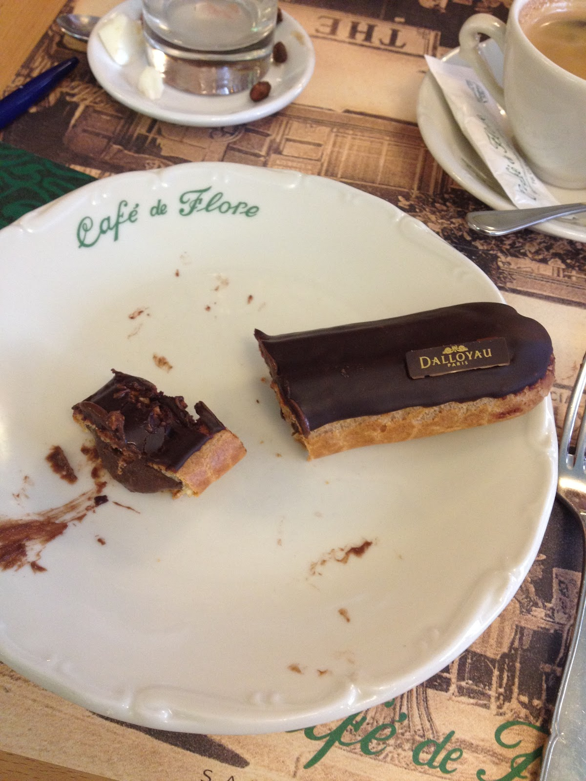 Chocolate Eclair Cafe de Flores Paris BiniBlog