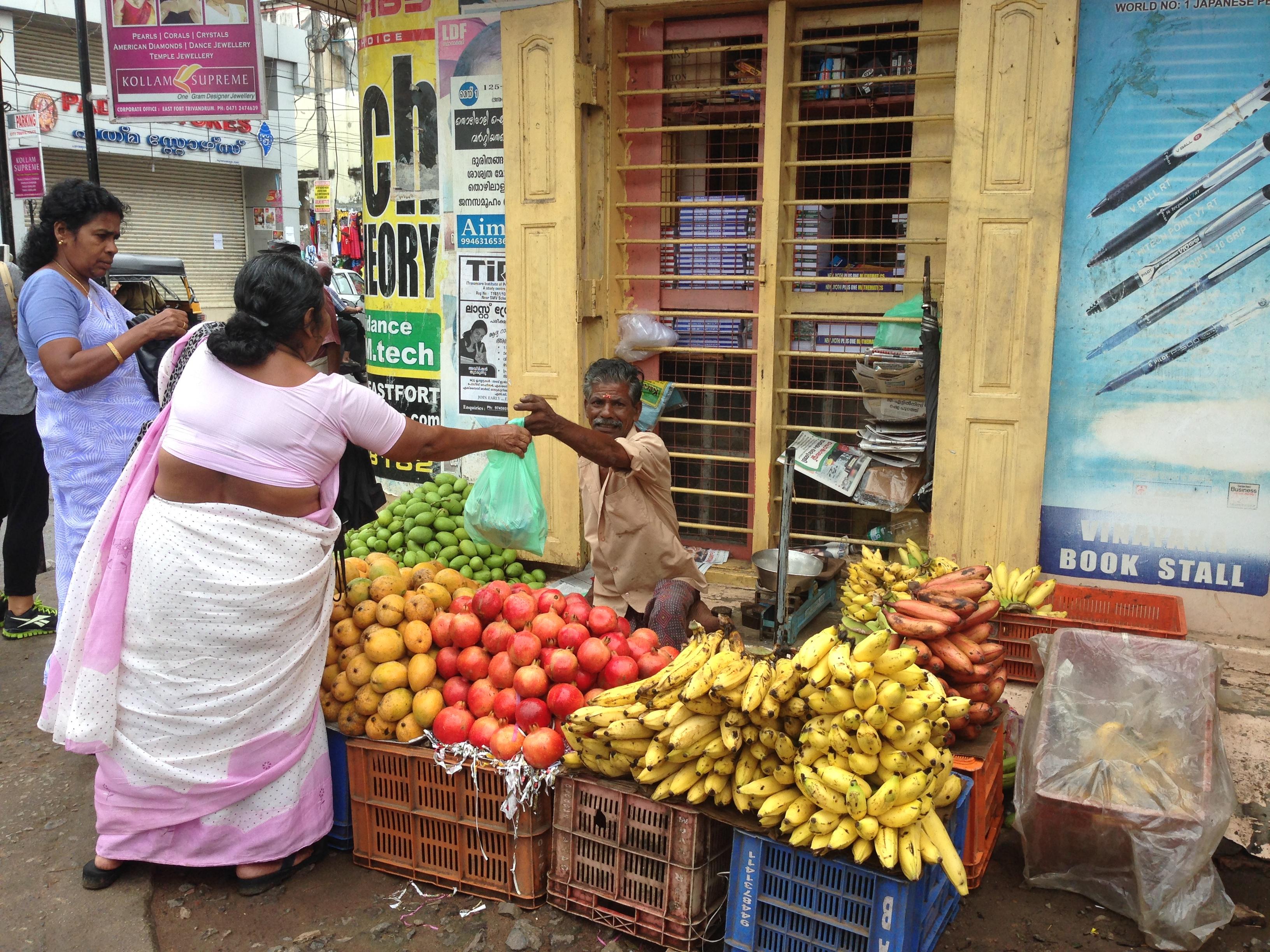 BiniBlog - India- Kerala - Trivandrum - Street Market
