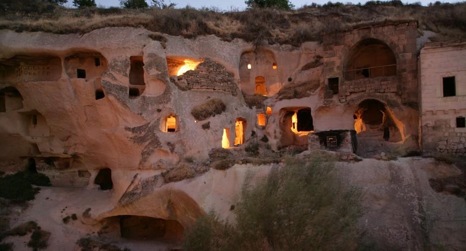 BiniBlog Hotels Weird Unusual Gamirasu Cave Hotel Cappadocia Turkey