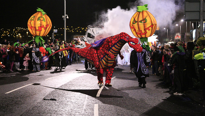Halloween 2016 Parade BiniBlog LocalBini Travel Tips Events Europe European Destinations Ireland Derry Londonderry