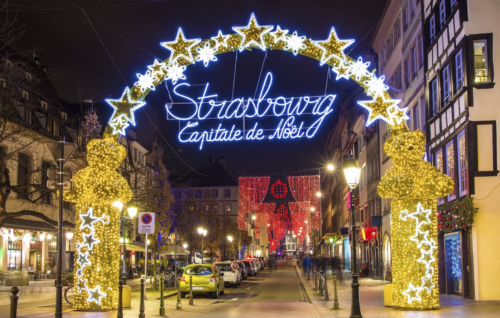 City Centre Strasbourg Christmas Market LocalBini BiniBlog Beyond Travelling Travel 2016 Europe Holidays Gifts Shopping
