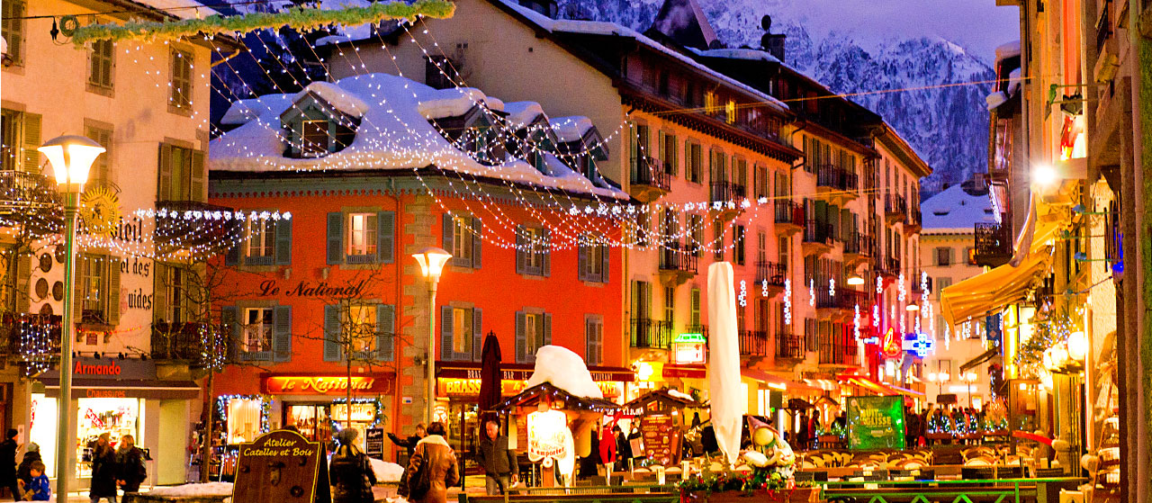 Market Snow White Chamonix December 2016 Holidays Destination Mont Blanc France Europe Athens Greece Christmas Market New Years Sweden Gothenburg BiniBlog LocalBini Travel Winter White Christmas Snow Chamonix