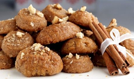 BiniBlog LocalBini Travel Lifestyle Melomakarona Greek Greece Authentic Christmas Cookies Spice Cinnamon Orange Honey Soaked Walnuts Festive Kourabiedes Food Yummy Dessert Sweet