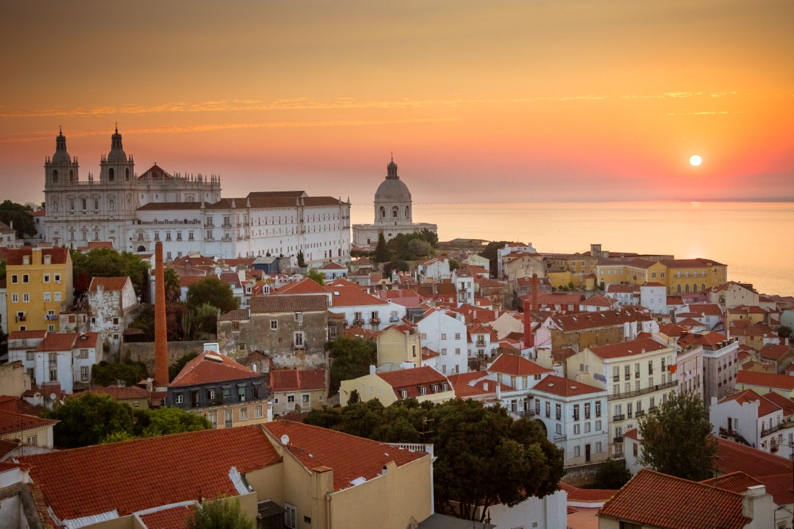 miradouros Lisbon Portugal Aternative Things to Do View Hilltops sunset scenic LocalBini BiniBlog travel inspiration view