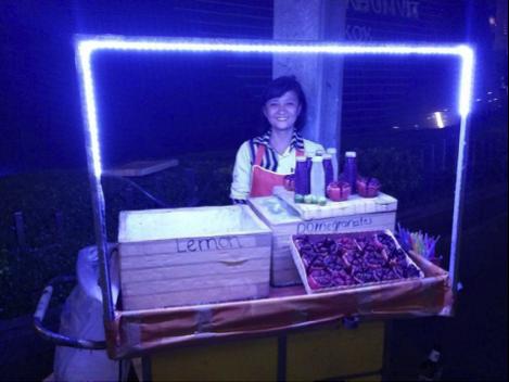 Thailand Bangkok BiniBlog Street Travel Adventure Blogger Buddhist Temple Street Vendor Thailand Bangkok Pomegranate Fruit