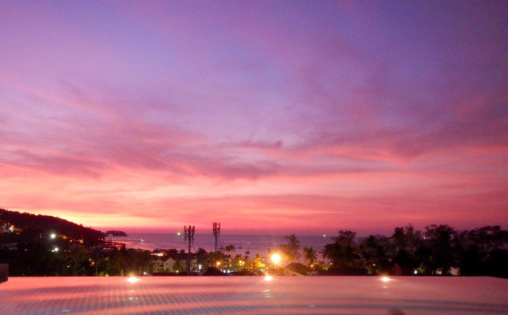 Sunset Pink Purple Colours Sky Phuket Rooftop Pool Hotel Resort BiniBlog LocalBini Blogger Travel Inspiration