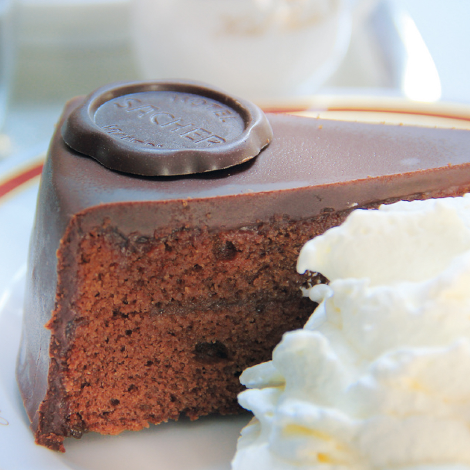 Dark Chocolate Cake Recipe In Hindi