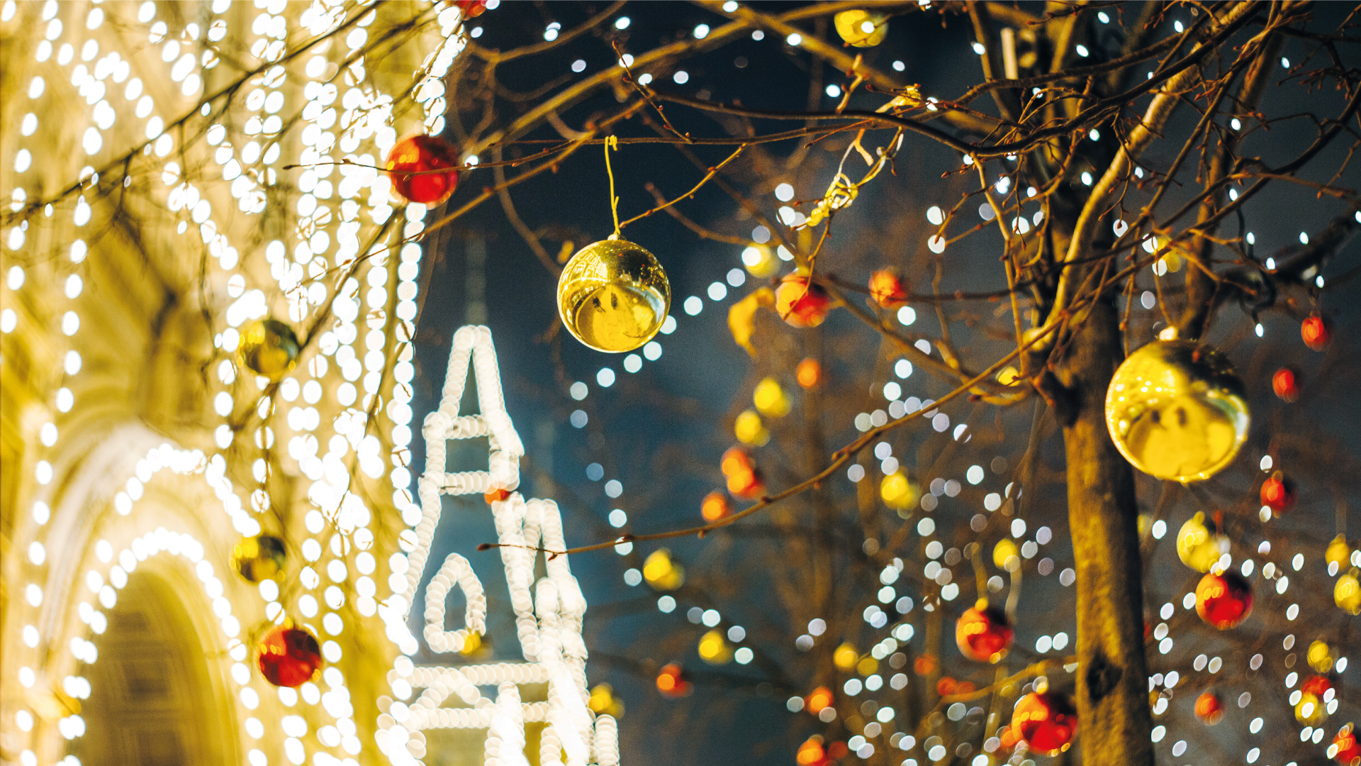Strasbourg Christmas Market Festive Lights Holidays LocalBini local travel authentic market France Strasbourg