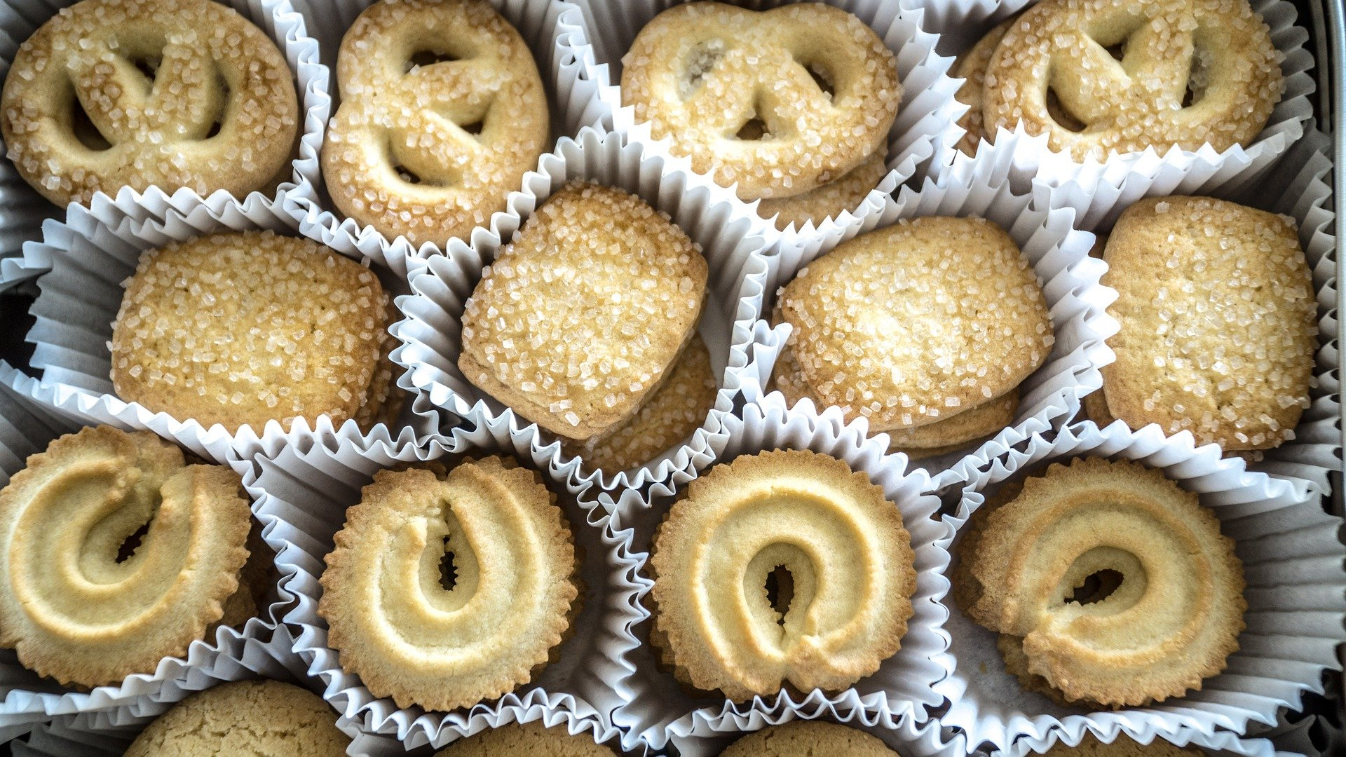 christmas, europe, baking, cookies, table, jam, sugar, festive, vaniljekranse,table, scandinavia, butter, cookies, vanilla, vani