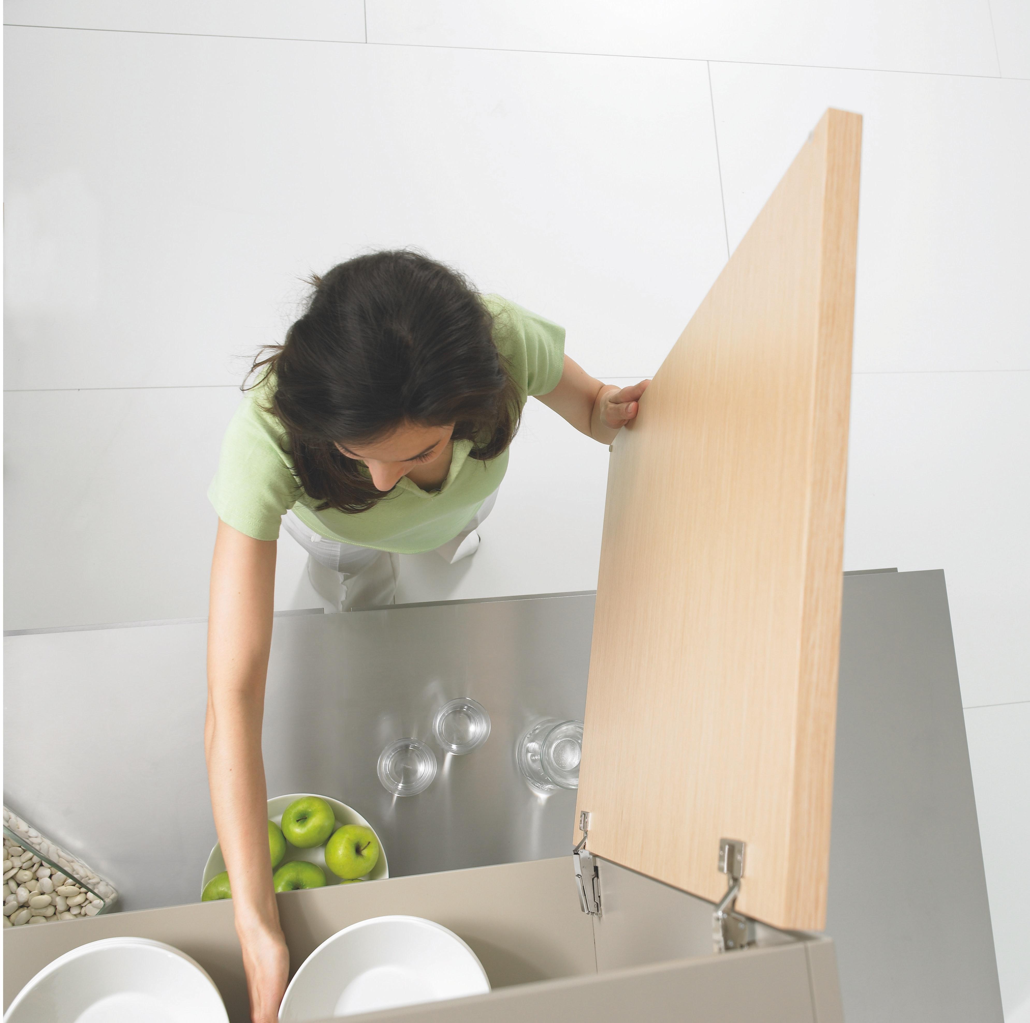 organisation clean declutter kitchen clean tidy plates localbini biniblog lifestyle tips