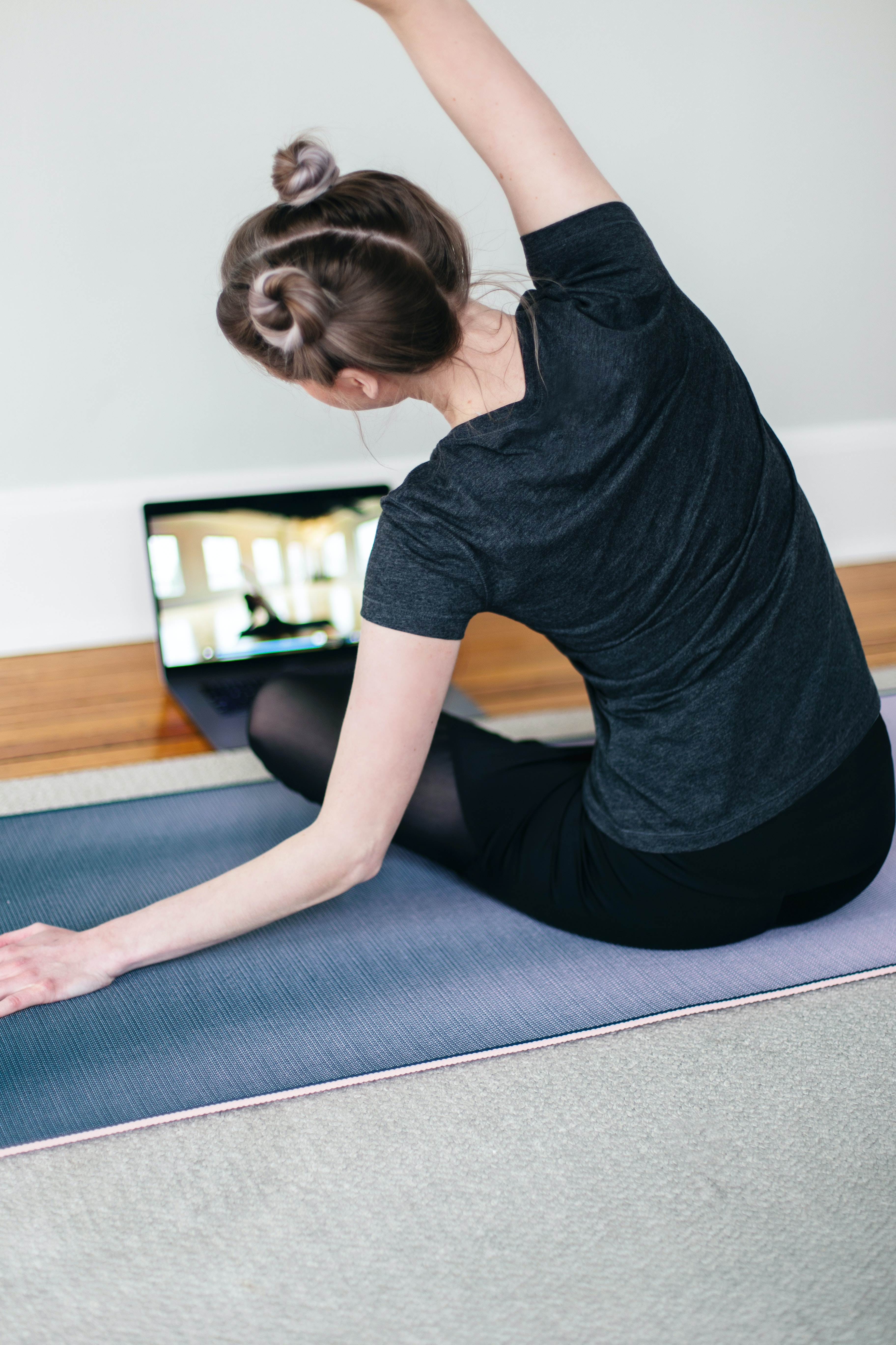 new year resolution exercise workout yoga virtual class workout at home mat girl localbini biniblog lifestyle tips