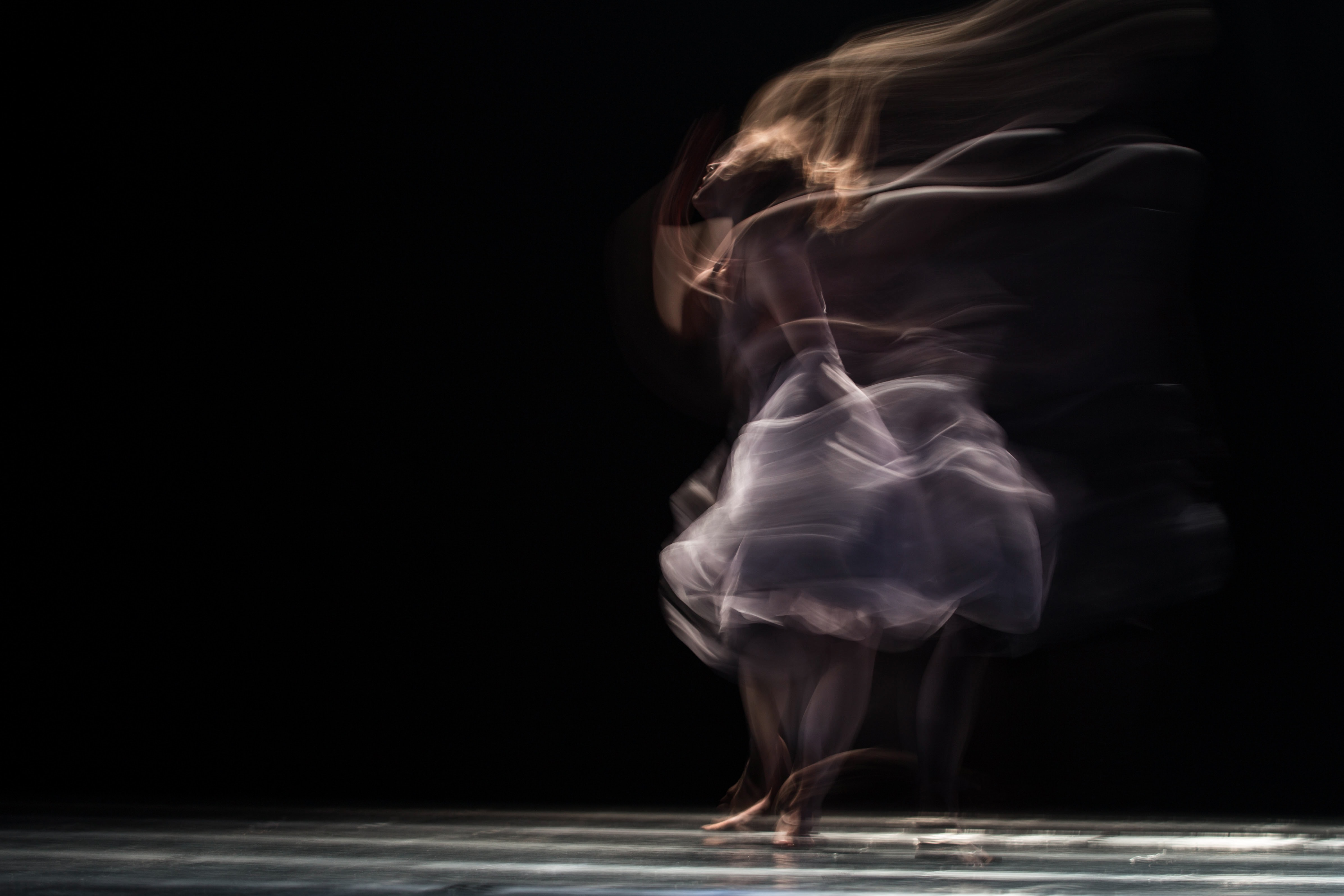 live stream art performance virtual online culture art localbini biniblog experience dancer artist on stage black with dress movement